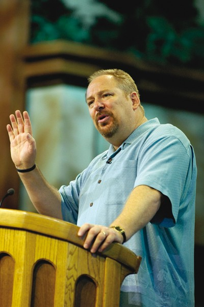 AMEN 70 - p 11 - Rick Warren1 - 400x6...